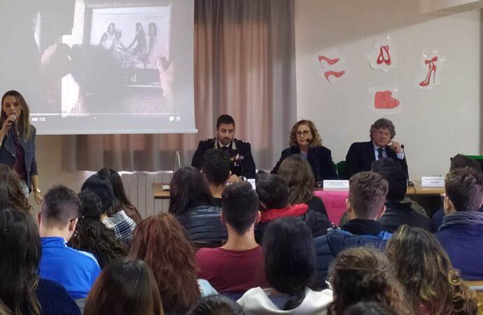 Violenza di genere, i carabinieri incontrano gli studenti di Mazara