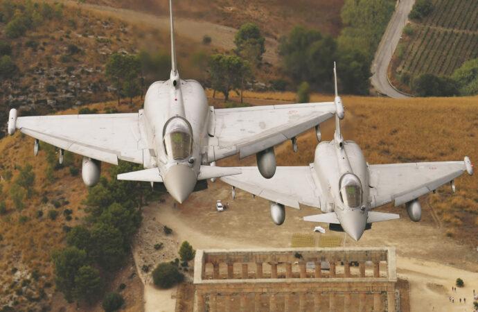 Presentato il calendario dell'aeronautica militare, alcuni scatti dedicati alla Sicilia