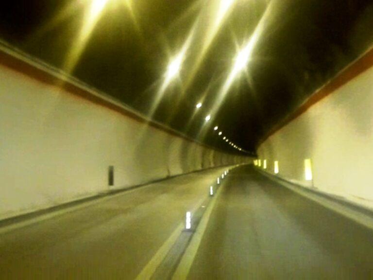 Lavori di manutenzione dgli impianti tecnologici della galleria Segesta sulla diramazione dell'A29