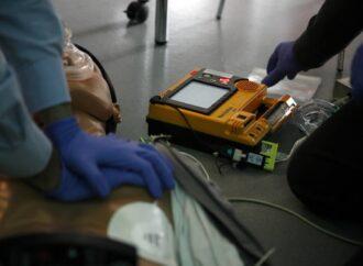 Mazara, arriva in dono al comune un defibrillatore