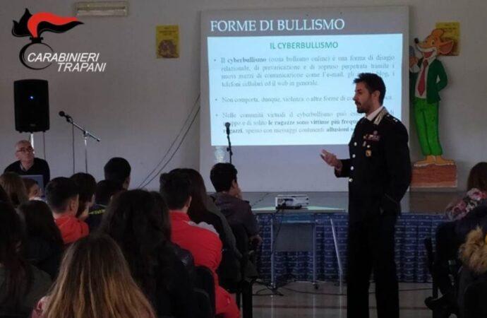 No al bullismo in classe, i carabinieri incontrano gli studenti della Grassa di Mazara