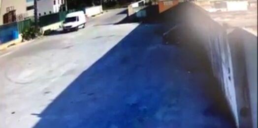 VIDEO – Mazara, beccato un furbetto della spazzatura