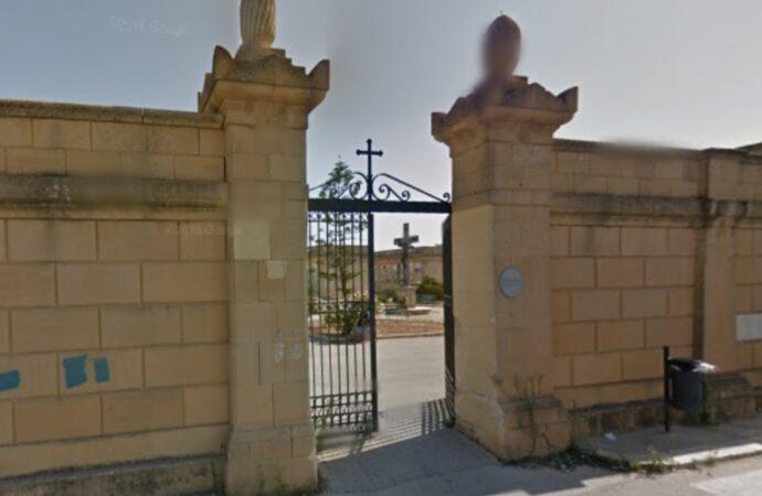 Carenza di loculi al cimitero di Mazara, il sindaco Quinci requisisce (temporaneamente) quelli vuoti