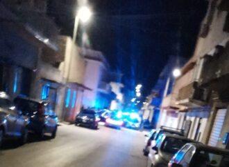 Non si ferma ad un posto di blocco a Castelvetrano, arrestato un 27enne. Altri 3 giovani denunciati
