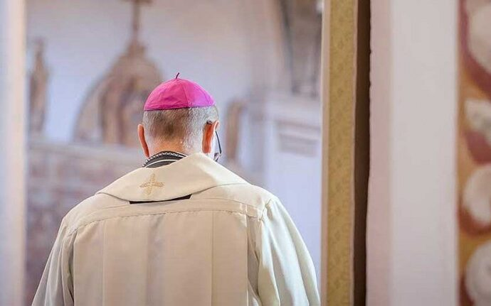 Coronavirus, il vescovo Mogavero sospende messe, matrimoni e funerali