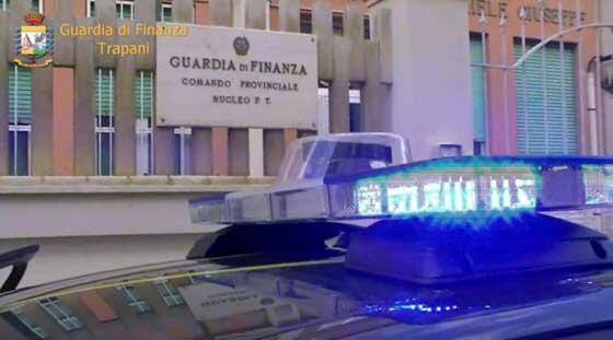 """Operazione """"Tricky water"""", notificati dalla Gdf otto avvisi di garanzia a dipendenti del comune di Trapani ed a un autotrasportatore di acqua potabile"""