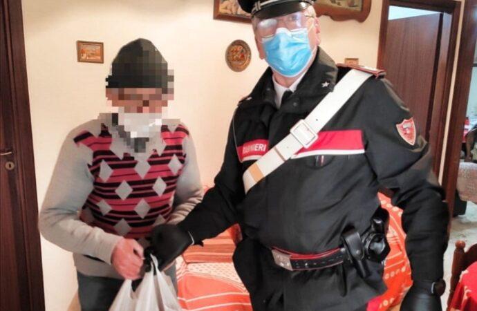 Mazara, i Carabinieri portano la spesa a due famiglie in difficoltà