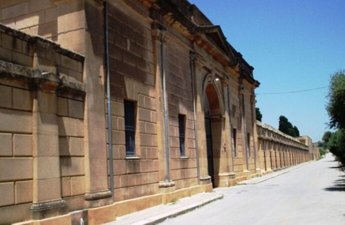 Mazara, oltre mille loculi verranno recuperati con il piano estumulazione 2021al cimitero comunale