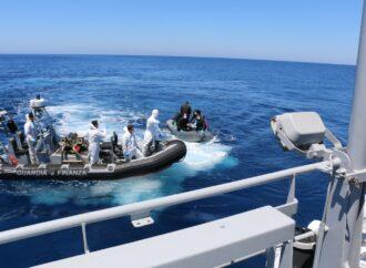 Tre sbarchi nel Trapanese, bloccati dalle Fiamme gialle 27 clandestini