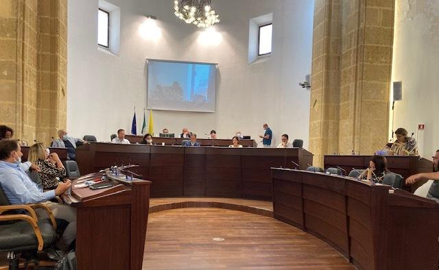 VIDEO – Indagine Gdf, le interviste ai consiglieri comunali D'Alfio e Randazzo durante la seduta del consiglio comunale di Mazara