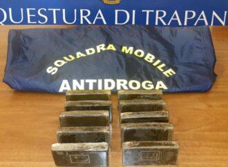 Operazione antidroga della polizia a Trapani, in manette un venditore ambulante