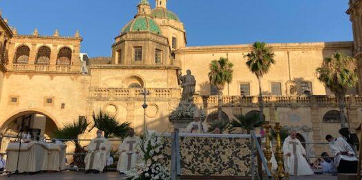 VIDEO – Celebrato ieri sera il 50°anniversario di ordinazione sacerdotale del vescovo Mogavero