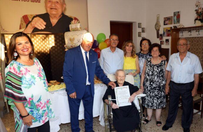 Mazara, 105 candeline per la signora Eleonora