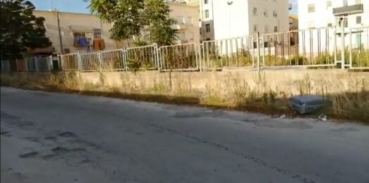 VIDEO – Mazara, erbacce e degrado in viale Francia, Lussemburgo e Belgio. L'amministrazione comunale che fa?