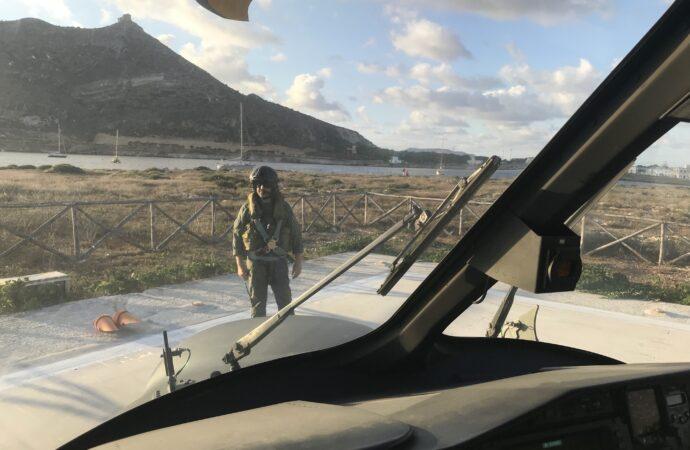 Favignana, un uomo soccorso dall'aeronautica e dai vigili del fuoco
