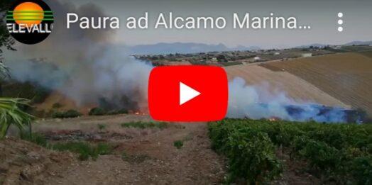 VIDEO – Paura ad Alcamo Marina per un incendio di vaste dimensioni