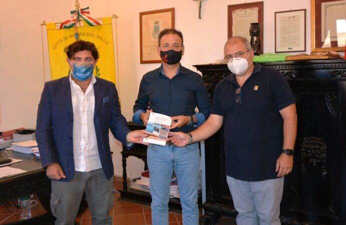 """Mazara, presentata al comune la monografia  """"La Comunità Marinara di Mazara del Vallo: memoria e identità"""" del giornalista Francesco Mezzapelle"""