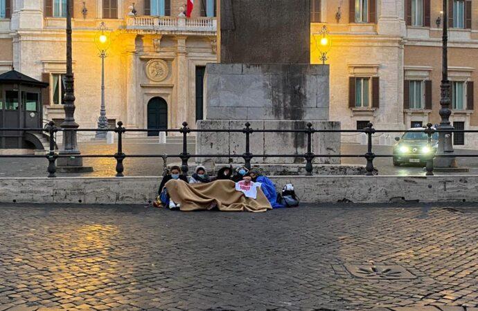 VIDEO  – Nuovo appello da Roma dei familiari dei marittimi sequestrati in Libia