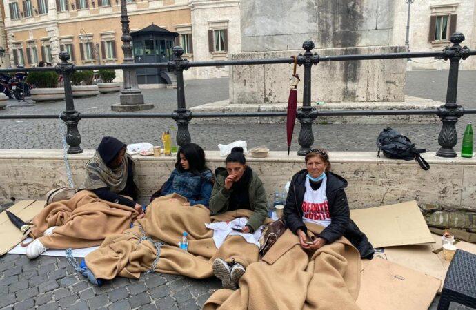 VIDEO – Pescherecci sequestrati, familiari ricevuti da Conte e Di Maio
