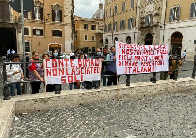 VIDEO – A Roma armatori e familiari dei pescherecci mazaresi sequestrati
