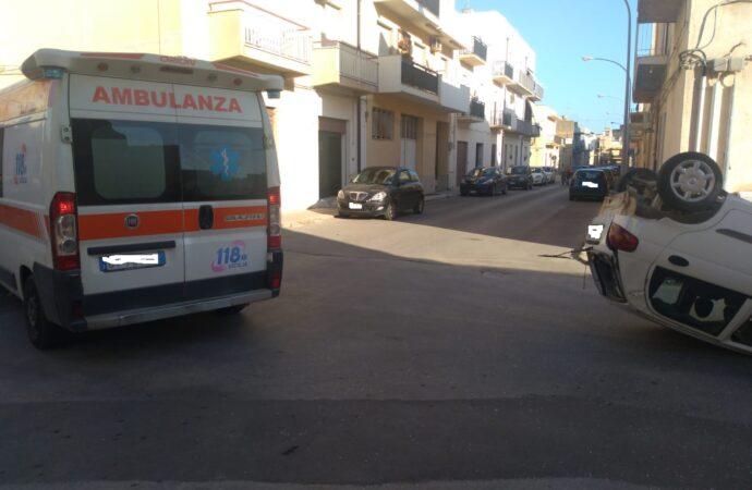 Mazara, incidente stradale all'incrocio tra le vie La Rocca e Volturno
