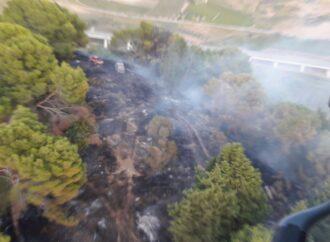 Incendio nella zona di Santa Ninfa, interviene l'aeronautica militare