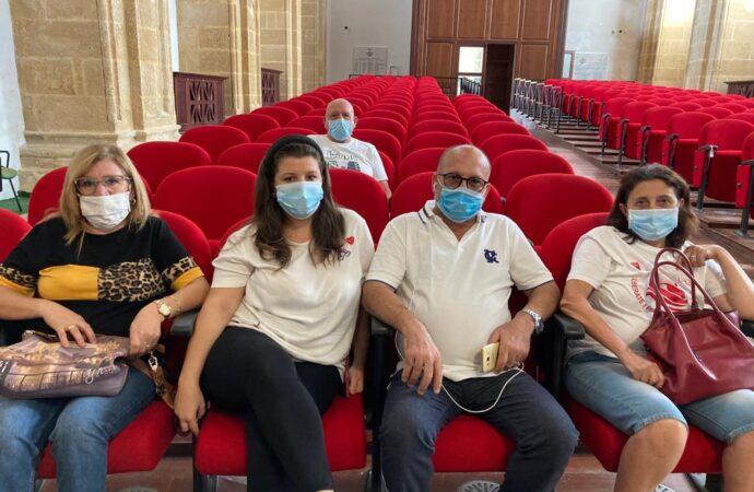 VIDEO – Pescherecci sequestrati, familiari occupano l'aula consiliare di Mazara