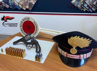 Deteneva in casa una pistola con matricola abrasa, i carabinieri arrestano un marsalese