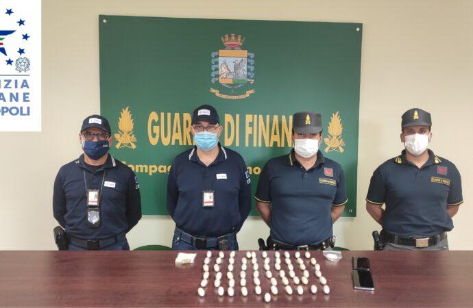 Aeroporto Palermo, arrestato dalle Fiamme gialle un  nigeriano con un chilogrammo di eroina nello stomaco