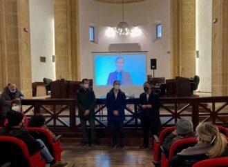 VIDEO – Sequestro pescatori, continua il presidio nell'aula consiliare di Mazara