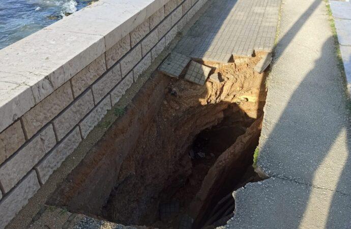 Mazara, cede un tratto del marciapiede del lungomare San Vito