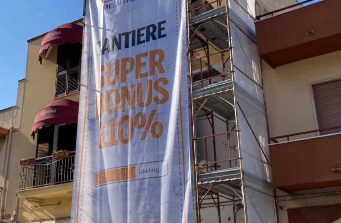 """VIDEO – Mazara,  l' A29 inaugura cantiere in via Salemi con il """"Super bonus"""""""