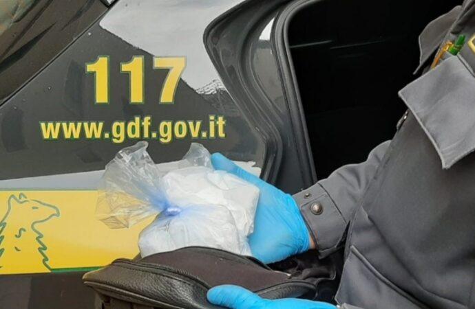 Mazarese sorpreso con 400 grammi di cocaina, arrestato dalla guardia di finanza