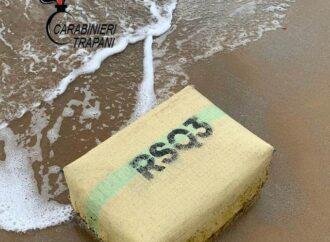 Campobello, rinvenuto un pacco di droga sulla spiaggia a Tre Fontane