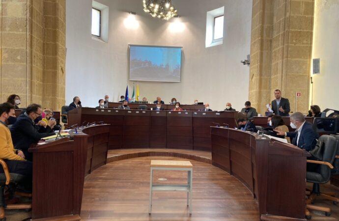 Mazara, schermaglie in consiglio comunale