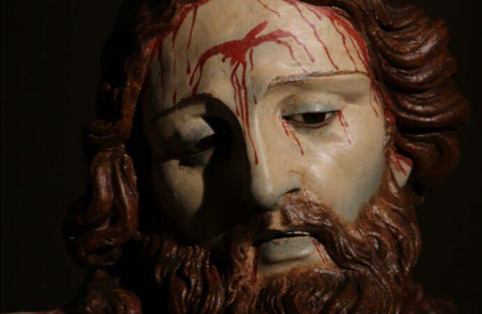"""Trapani, restaurato il Crocifisso del rito della """"Discesa della Croce"""