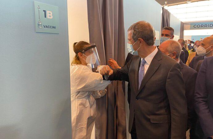 Covid, appello di Musumeci per i vaccini