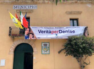 """""""Verità per Denise"""", affisso striscione al Comune di San Vito Lo Capo"""