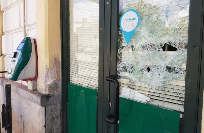Mazara, in azione un danneggiatore seriale di vetrine e vetrate