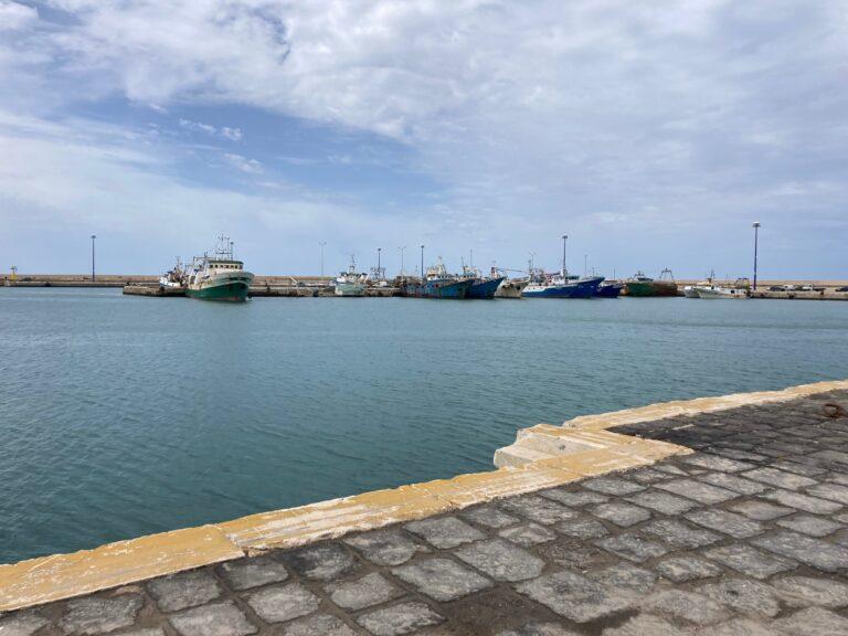 """VIDEO – Colpi d'arma da fuoco contro il peschereccio """"Aliseo"""", ferito il comandante"""