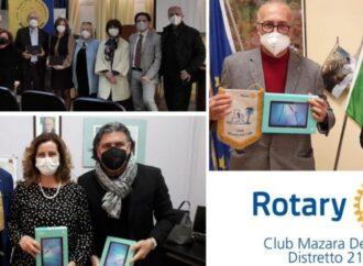Mazara, il Rotary dona 6 tablet a 3 istituti scolastici