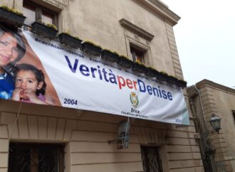 Erice, uno striscione al Palazzo municipale per Denise Pipitone