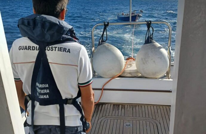 Mazara, soccorse dalla Guardia costiera due imbarcazioni da diporto in difficoltà