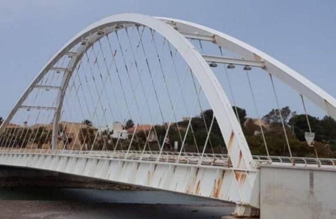 Il ponte sul fiume Arena: anni di burocrazia e intoppi. Un po' come la Sp38