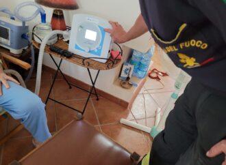 Marsala, i vigili del fuoco intervengono con un gruppo elettrogeno per l'alimentazione e la ricarica di un ventilatore meccanico