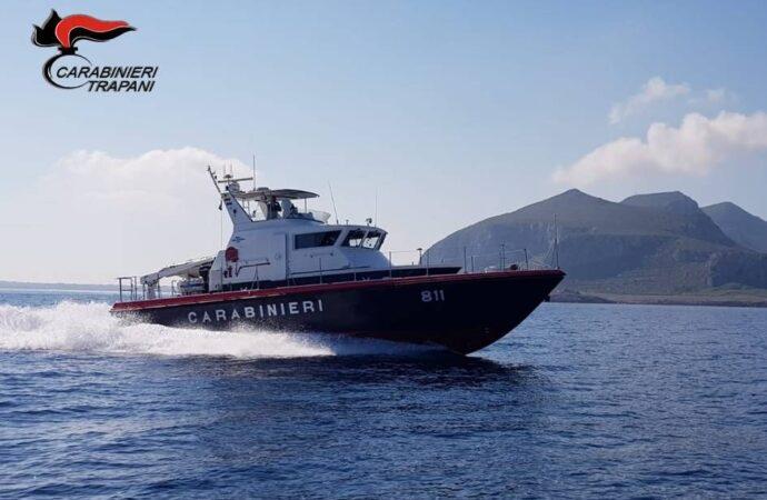 Favignana, trova mille euro e li consegna ai carabinieri dell'Isola