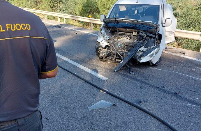 Un morto è il bilancio di un incidente avvenuto stamattina sull'A29 diramazione Alcamo-Trapani