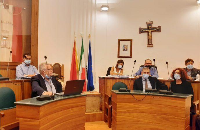Consiglio Comunale di Castellammare, nuovo assetto con l'insediamento del consigliere Antonio Mercadante