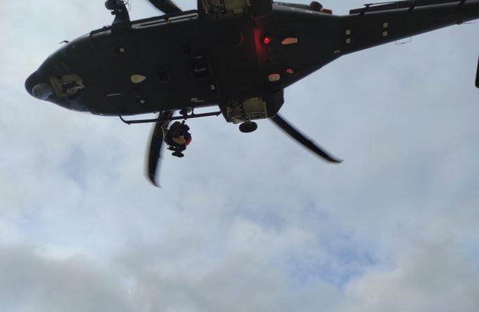 Una bambina ferita viene soccorsa nella Riserva dello Zingaro dall'Aeronautica Militare