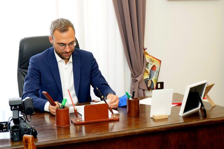 Alcamo, il riconfermato sindaco Surdi ringrazia la città